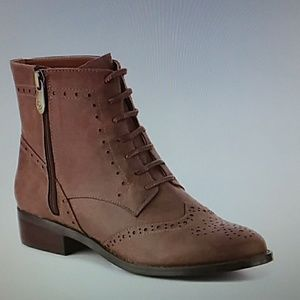 Adrienne vittadini size 7.5 Brown zip up boots new